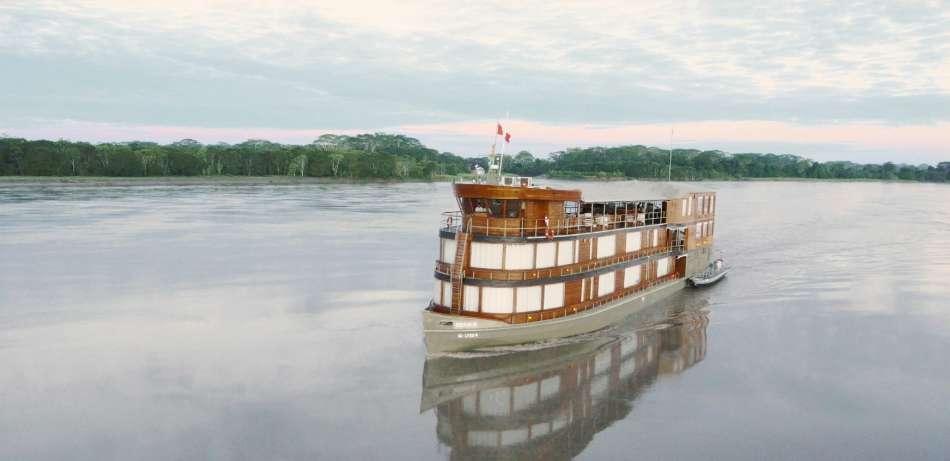 """MV """"Delfin II""""   Unterwegs auf dem Amazonas   © Delfin Amazon Cruises"""